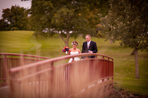 Outdoor Wedding Photography in Park Chicago Rockford Illinois Fall Autumn Photographers