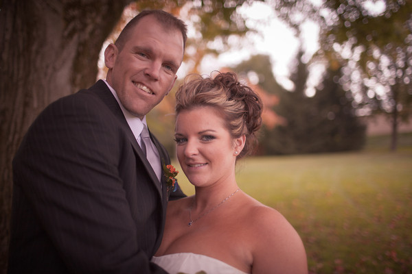 Midwest Outdoor Wedding Photography in Park Chicago Rockford Illinois Fall Autumn Photographer