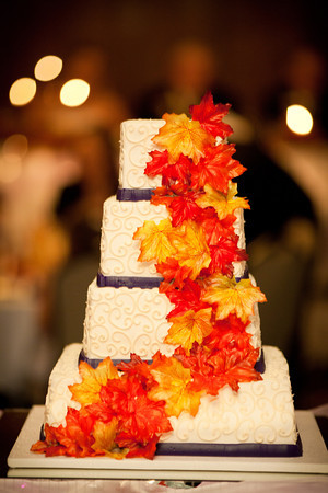 fall themed cake at an autumn wedding at the Clock Tower in Rockford, IL