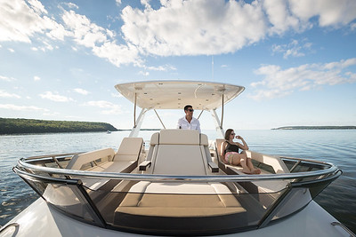 The Flybridge of Cruisers Yachts 60-Fly