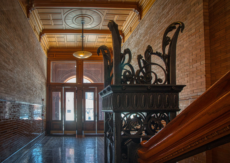 W 3rd Street entrance to the Bradbury Building