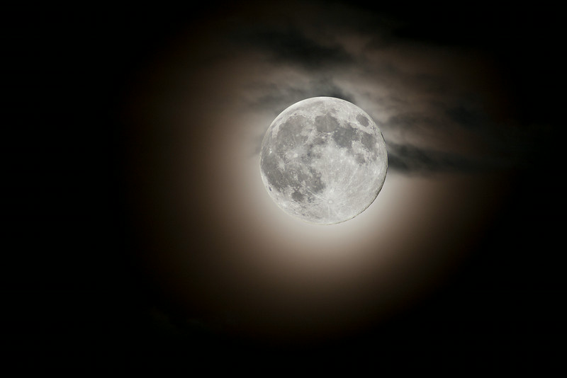 Canon 40D + Celestron 500mm f/5. Two images merged in PS. august 2014.