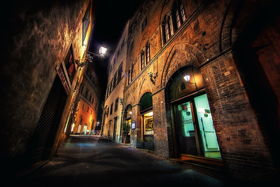 Caramel Nights in SienaSiena, Italy Looks like caramel, feels like it too in the summer. Siena, Italy is one delicious city, full of history, perspective. Oh so sweet!  ©Karen Hutton - Creative Commons (CC BY-NC 3.0)