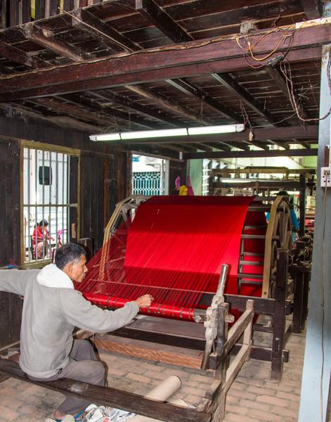 Dyed silk thread
