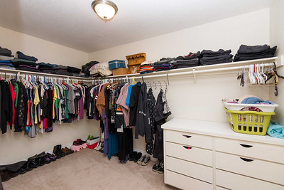 DSC_2545_walk_in_closet
