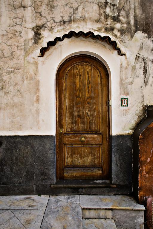 Door1Positano