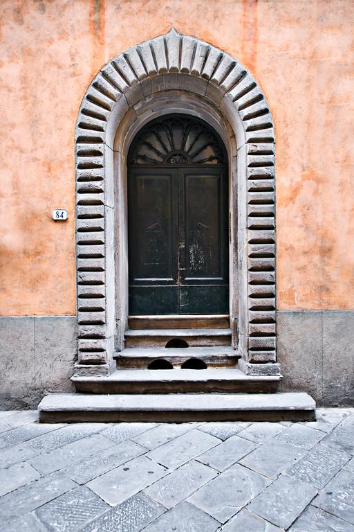 Door84ArchedLucca