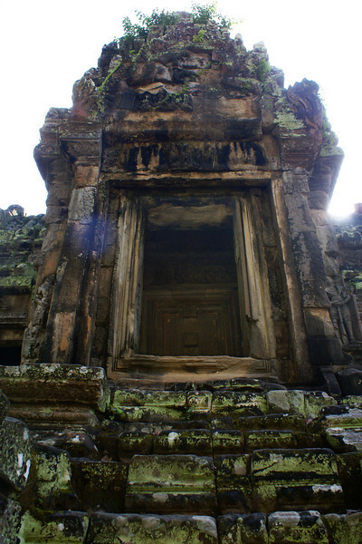 ANGKOR. THOMMANON TEMPLE. STAIRS. SIEM REAP.