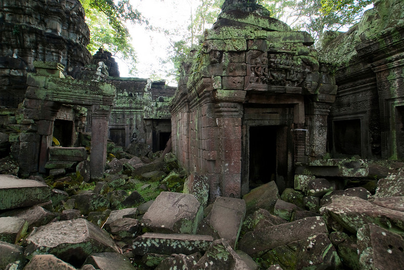 ANGKOR. TA PROHM. INSIDE THE RUINS OF THE MONASTERY. SIEM REAP.
