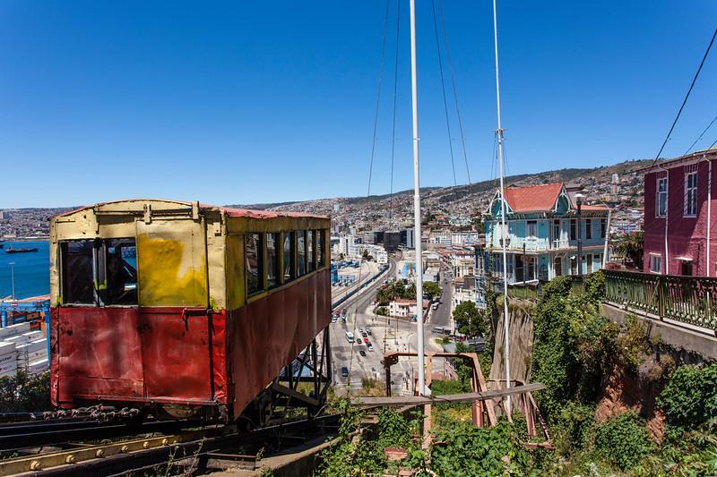 VALPARAISO. VIEW AT THE CITY FROM ASCENSOR ARTILLERIA.