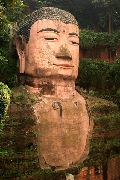 China - The Big Buddha of Leshan - by JeeWee 2009