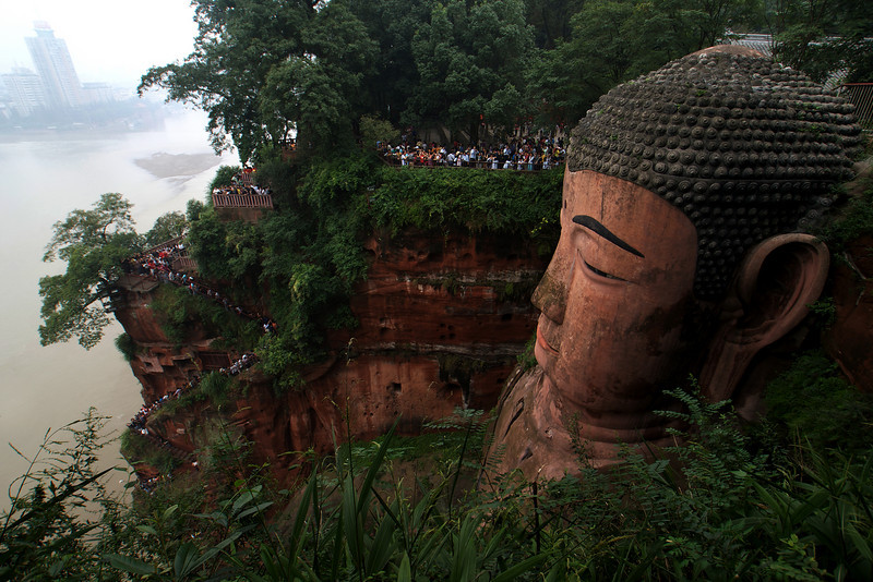 LESHAN. GIANT BUDDHA SEEN FROM ABOVE. SICHUAN. CHINA.
