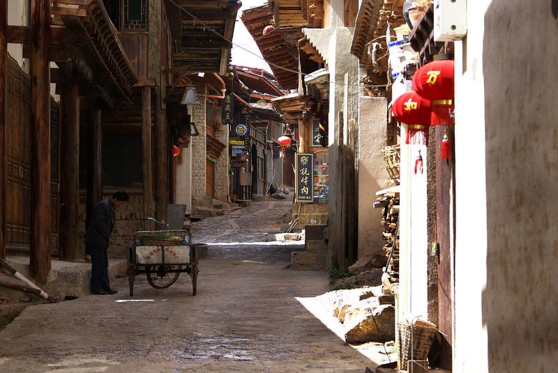 SHANGRI-LA. STREET LIFE. YUNNAN. CHINA.