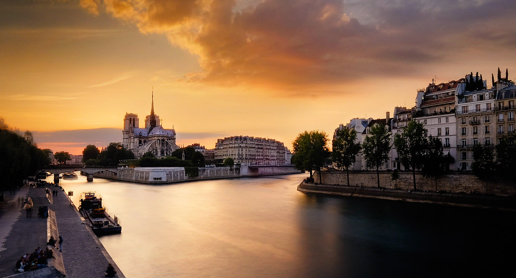 Sun Sets On Seine