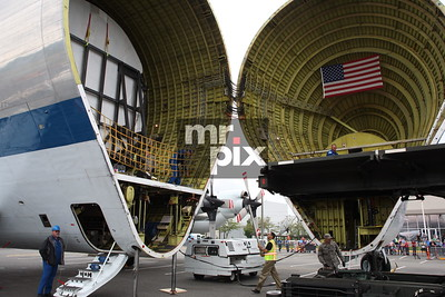 NASA's Space Shuttle Flight Simulator arrives at Museum of Flight