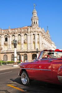 Havana's most exorbitant neo-baroque structure : The Gran Teatro de la Habana. It was built in 1907