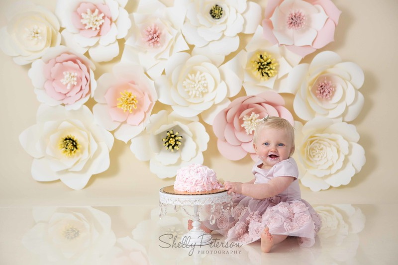 Giant Paper Flowers Cake Smash