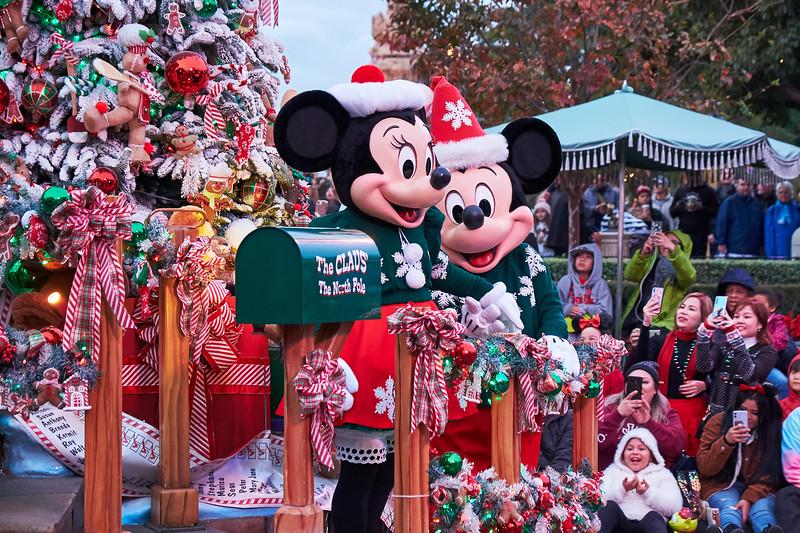 Minnie and Mickey, Disneyland Parade - Anaheim, California