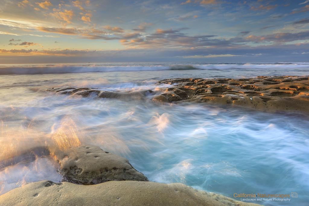 Sandstones and waves at La Jolla Cove