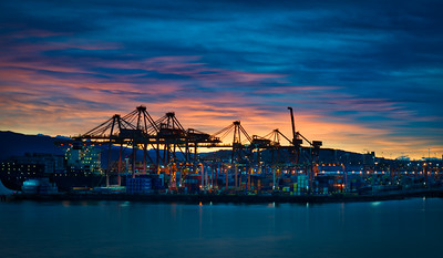 Spectacle of the Commercial Port