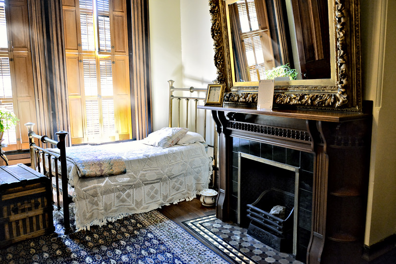 Bed Chamber & Fireplace
