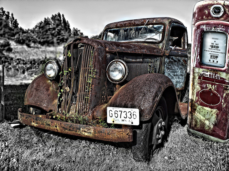 #701 Old Rusty Truck