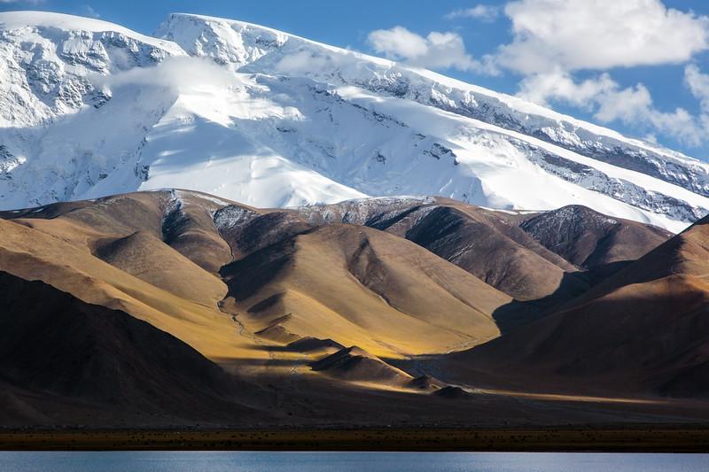 The mountain Kuqu Ka'ergi in Xinjiang