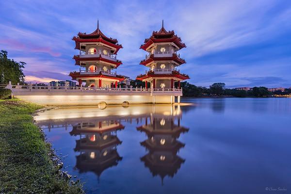 Twin Pagodas || Pagodas Gemelas