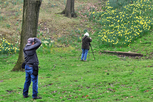 Photographers at Lake View Cemetery March 2012