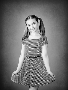 Children's studio portrait photographer Niagara