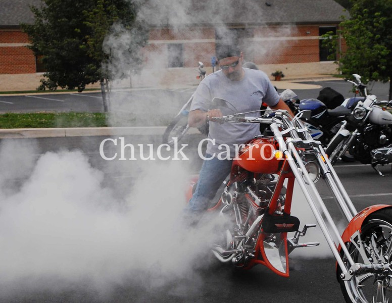 32 Chris Burn Out ,  Motorcycles
