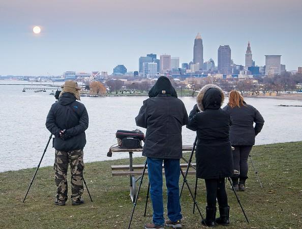 December  Full Moon rising over Cleveland 2020