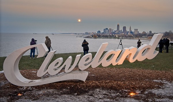 December  Full Moon rising over Cleveland 2020