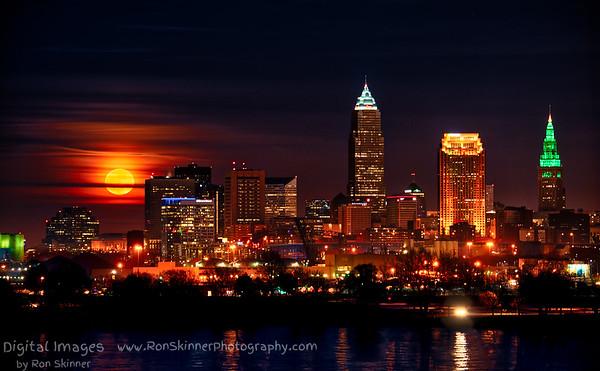 December Super Moon Rise over Cleveland