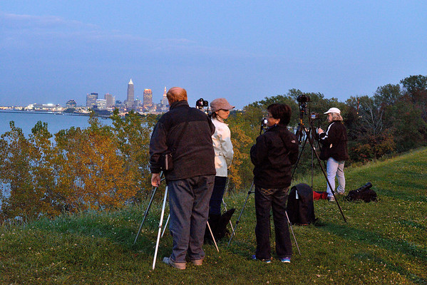 Photographers view Cleveland from Perkin's Bluff