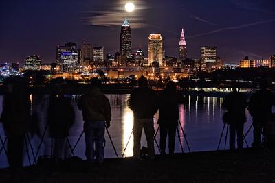 Photographers Capture the Moonrise