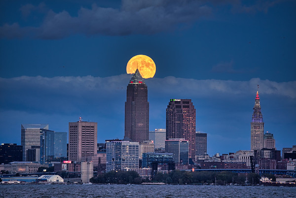 Full Moon from Lakewood Park 2018