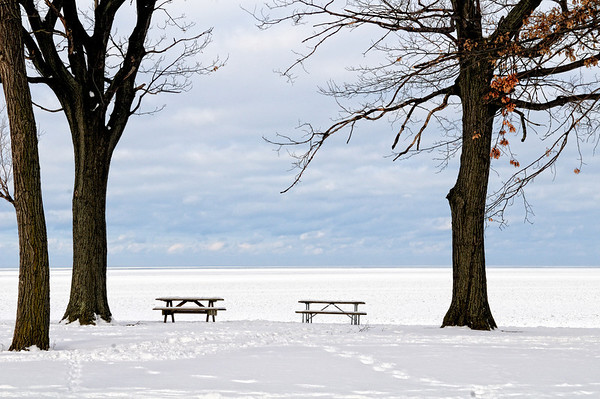 View of a frozen Lake Erie from Edgewater Park, Cleveland