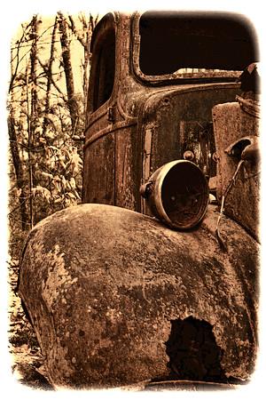 Old Jalopy Fender, Grunge Look, South Franklin, NH
