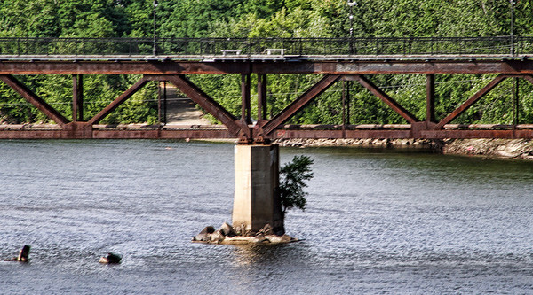 Walkway over the Merrimack<br /> Manchester, NH