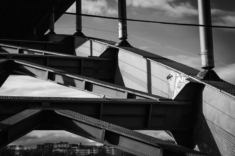Under the bridge - Västerbron