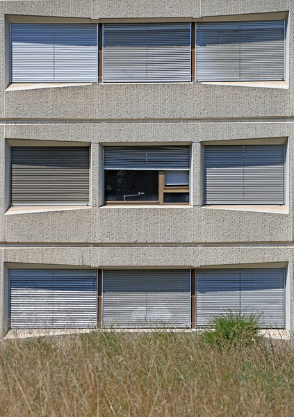 Aug 2013 Geneve Building near river in Chene Bougeries 1