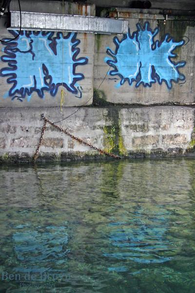Aug 2010 Geneva lake and graffiti