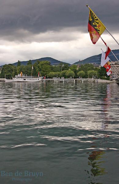 Aug 2010 Geneva lake and flags