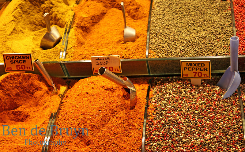 Istanbul: Spice Market - Colourful spices for sale 1