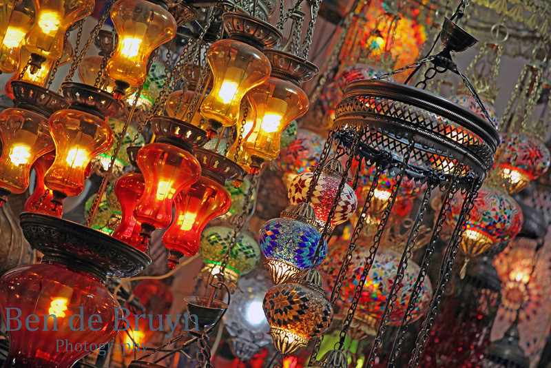 Istanbul: Grand Bazaar - Colourful lights