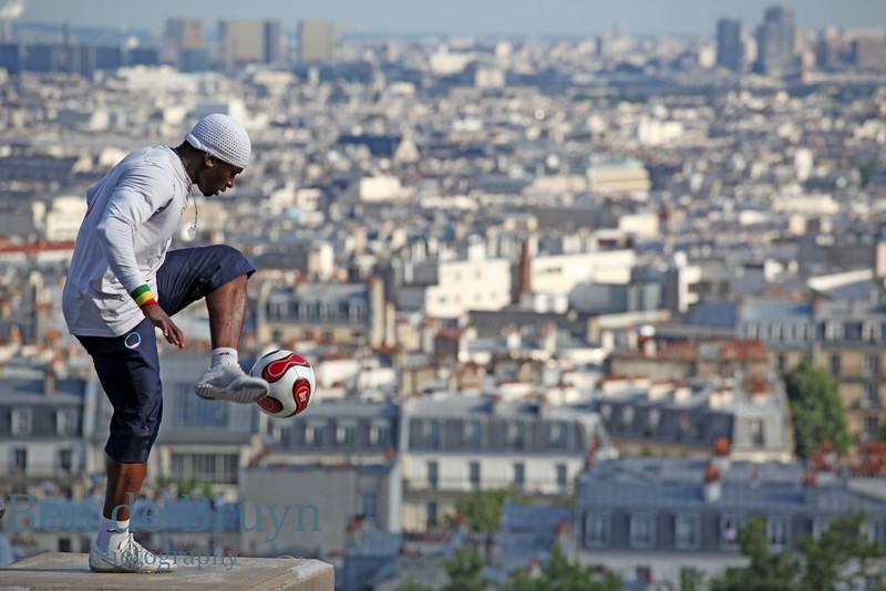 Paris:Montmartre Sacre Cur Man with soccer ball 3 July 2012