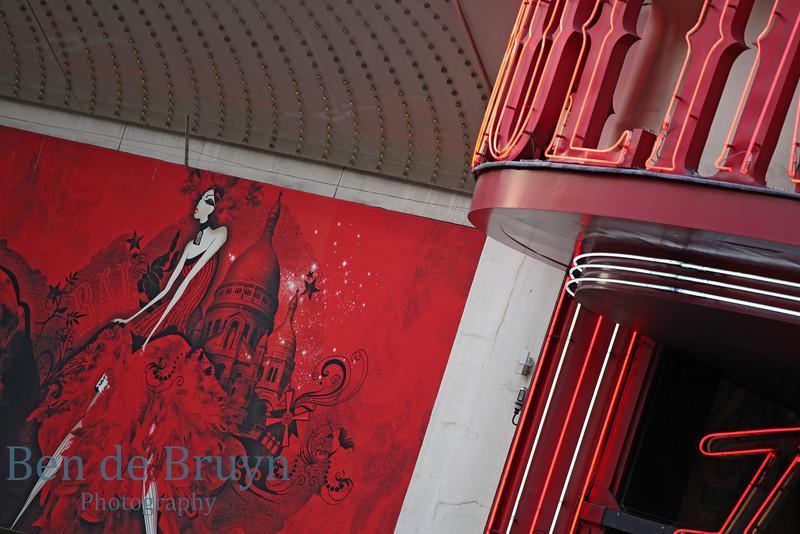 Paris:Moulin Rouge 3 July 2012