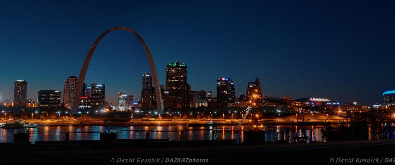 Gateway Arch 01- St. Louis, MO