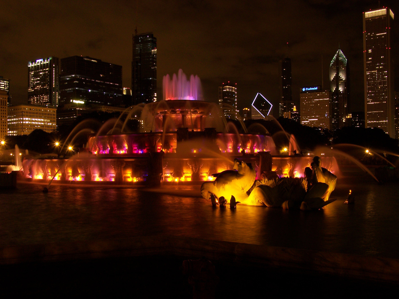 Buckingham Fountain 1 - Chicago, IL